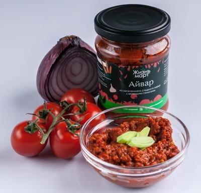 Айвар из запеченного сладкого перца с вялеными томатами