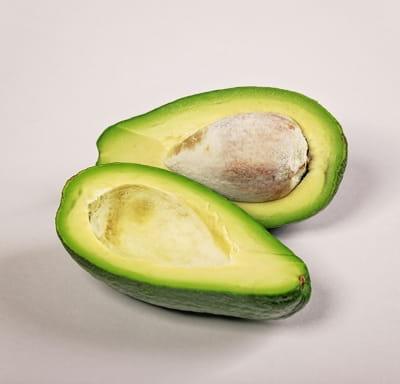 Авокадо зеленый