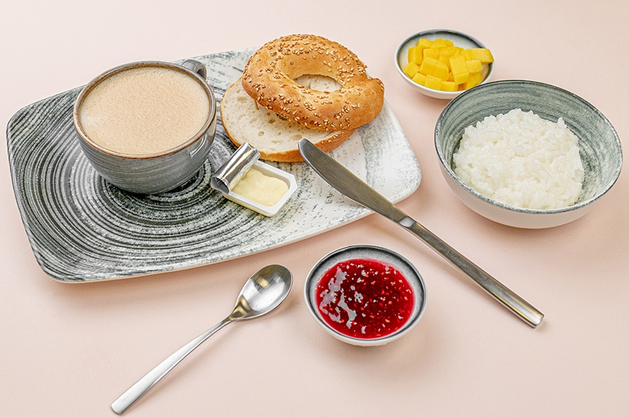Комбо-завтрак: Каша + Бэйгл + Масло + Капучино